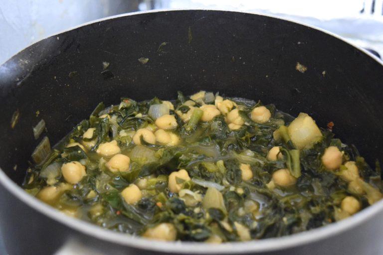 Chickpeas Saag Soup